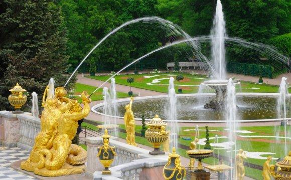 музеи и парки Петергофа
