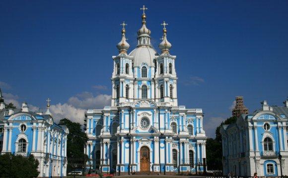 Фото Смольного собора в Санкт